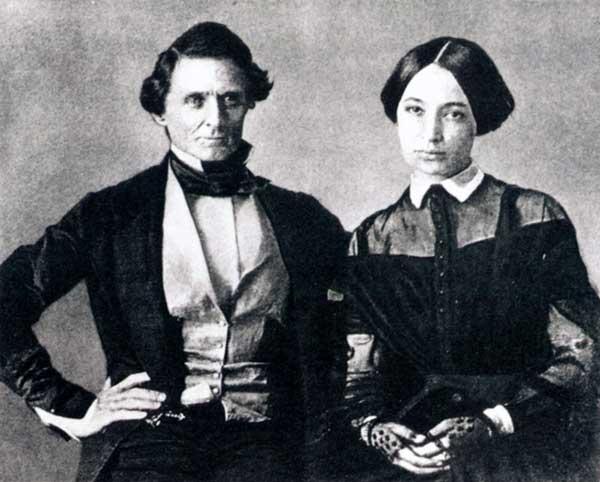 Wedding photo in 1845 of Jefferson Davis and Varina Howell. She was 18, he was 37.